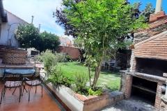 jardin-casa-rural-dona-catalina-1-min
