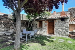 jardin-casa-rural-dona-catalina-7-min